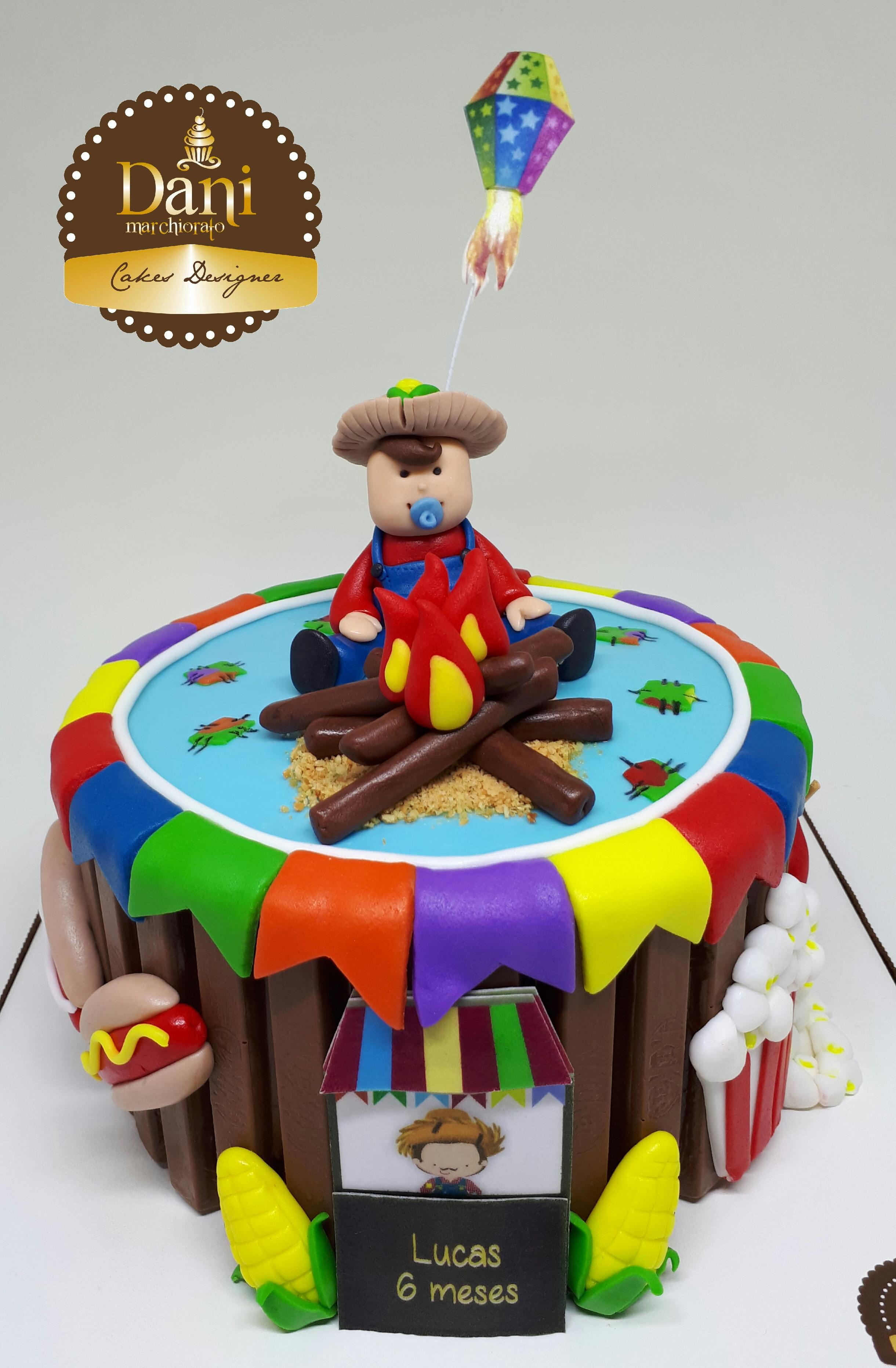 Bolo Kitkat Bebê Junino