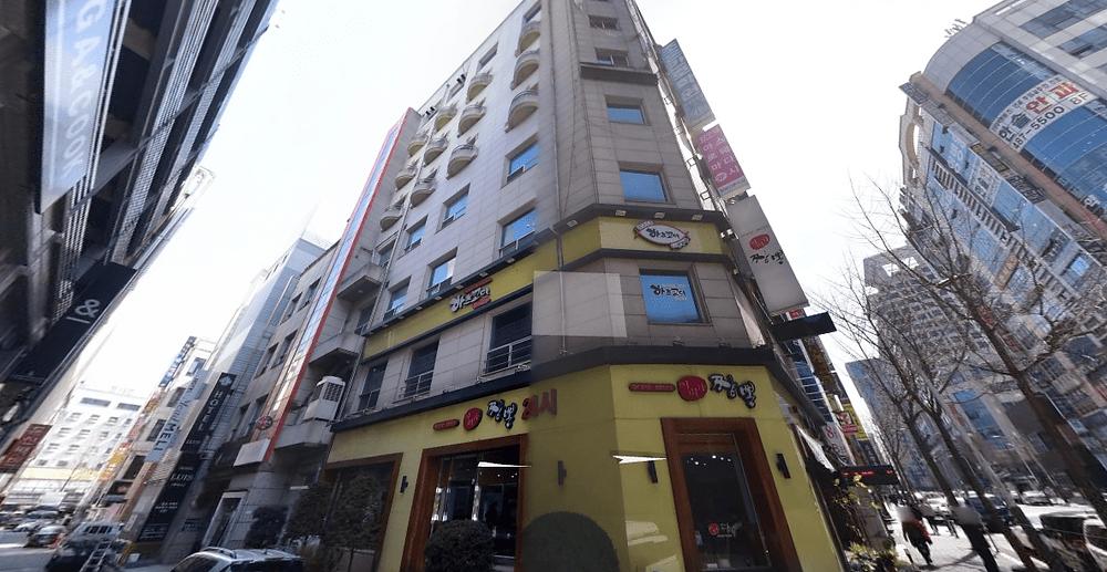 대전 둔산동 압구정스웨디시 건물 외관