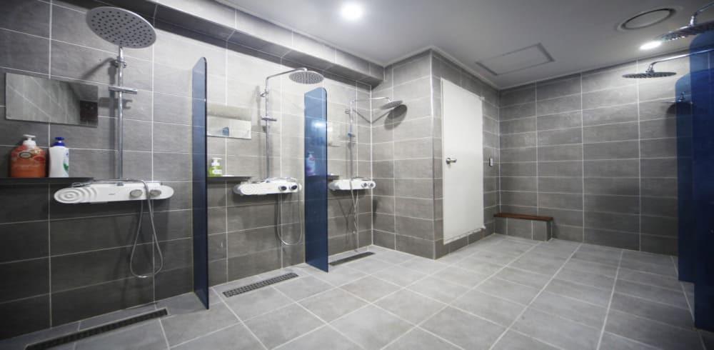 분당 수내역 어썸6베드테라피 샤워실