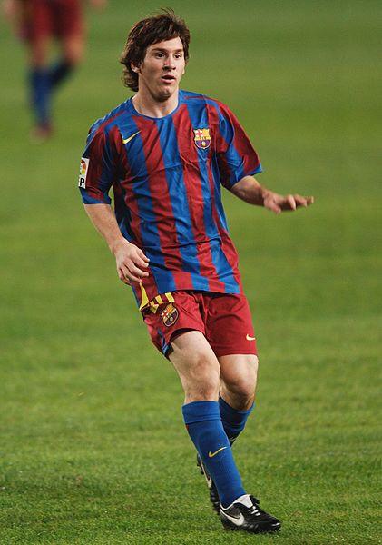Messi, ở tuổi 18, chơi với Málaga năm 2005
