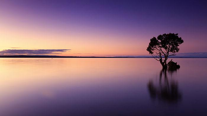 Cảnh đẹp của bầu trời và biển trong hoàng hôn