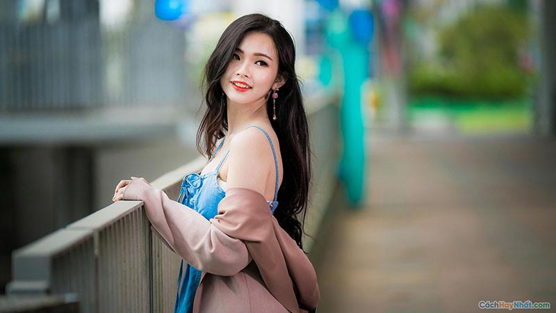 Em gái xinh đẹp cười tươi