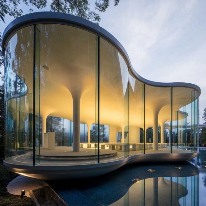 Giải thưởng thiết kế đám mây của nhà nguyện đám cưới ánh kim bởi testuya matsmoto