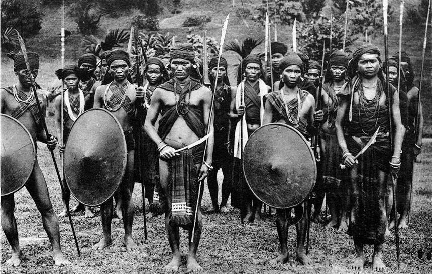 Nhóm chiến binh dân tộc thiểu số ở miền Trung và miền Nam lúc bấy giờ.