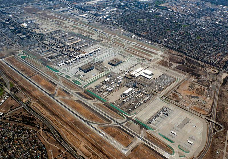 3. Sân bay quốc tế Los Angeles 88,1 triệu hành khách