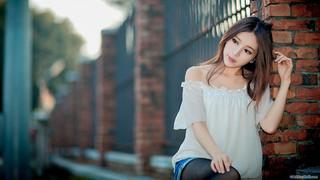 4k-06-girl-wallpaper-hd-55942.jpg