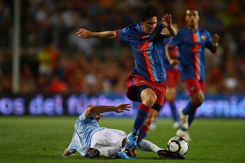 Messi trong trận tranh cúp Joan Gamper giữa Barcelona và Manchester City ở sân vận động Camp Nou