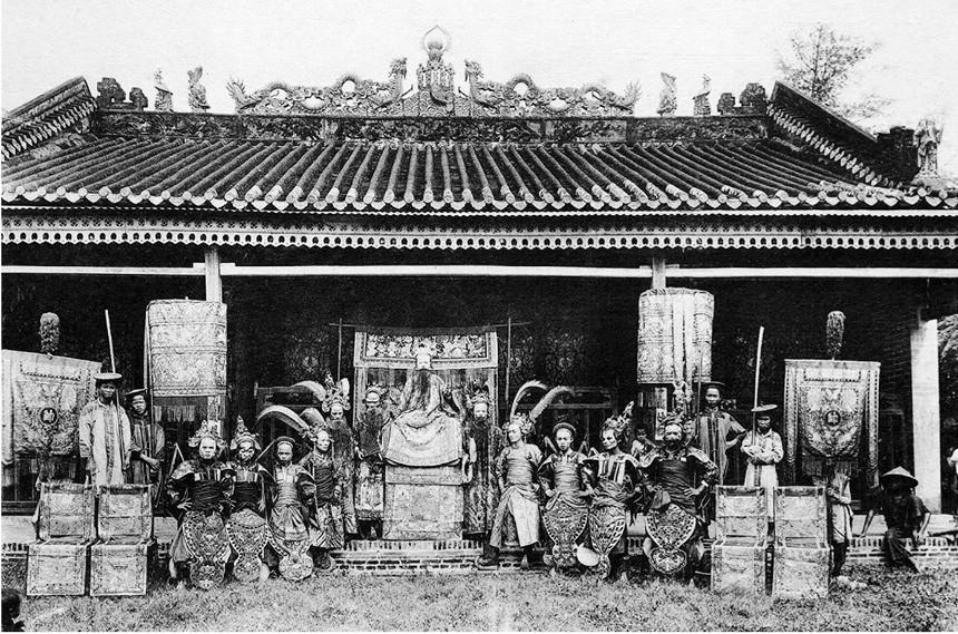 Một gánh hát ở Sài Gòn xưa.
