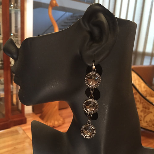 Queen Earrings - Gunmetal