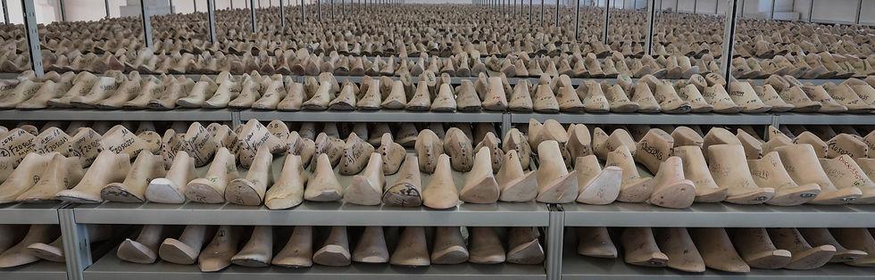 Formificio Romagnolo produttore di forme per calzature e tendiscarpe in legno