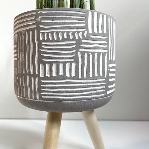 Tripod plant pot-Grid