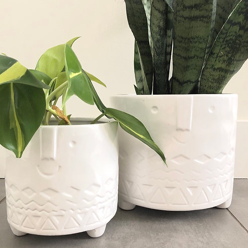 Friendly faces footed dolomite planter-white