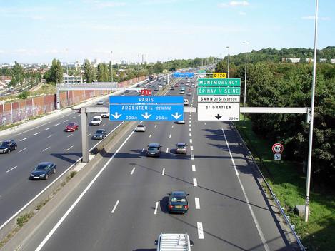 Non à la suppression d'une voie sur l'A15 !