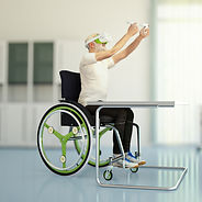 Senior in Rollstuhl Klinik.jpg