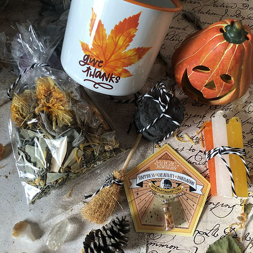 Witchy Kit Fall - Halloween