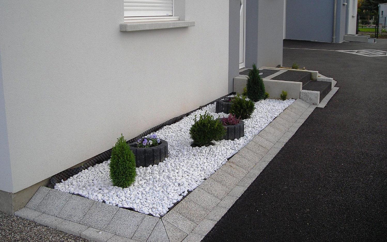 europavage am nagement ext rieur paysagiste terrasse dalla escalier bloc marche palier. Black Bedroom Furniture Sets. Home Design Ideas