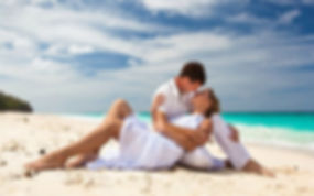 Adorable-couple-romancing-on-a-beach-SS1