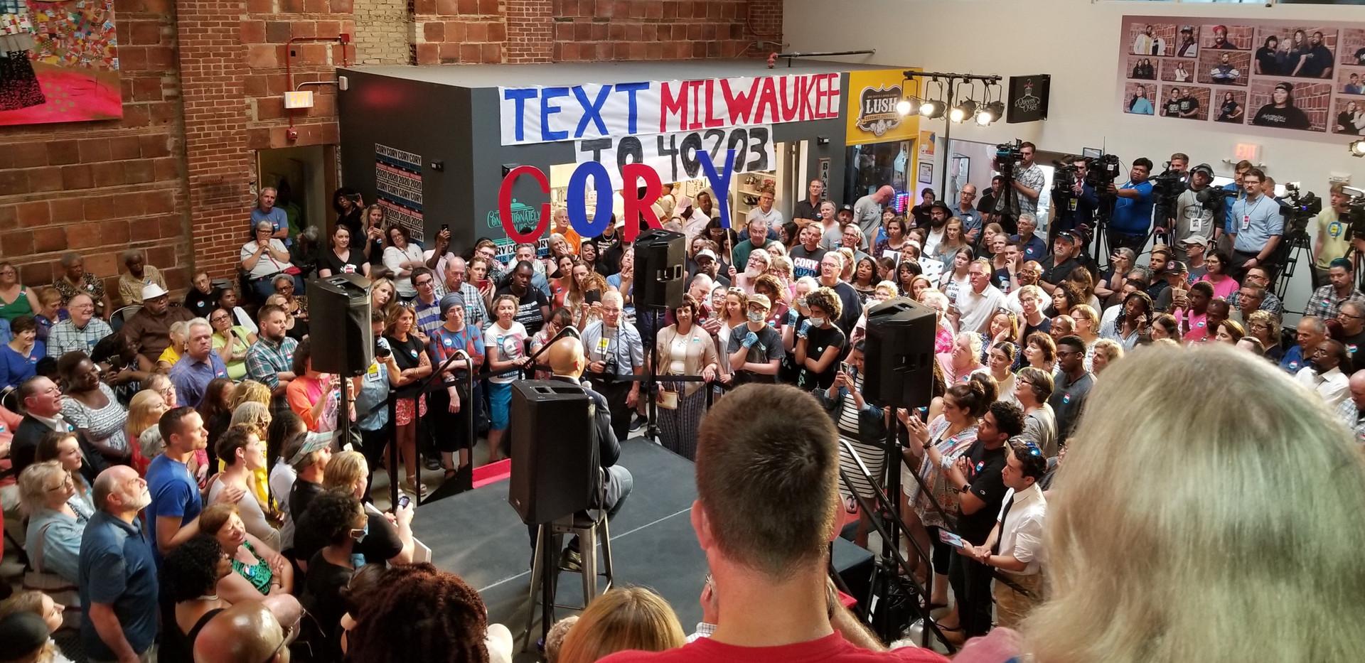 Cory Booker Crowd.jpg