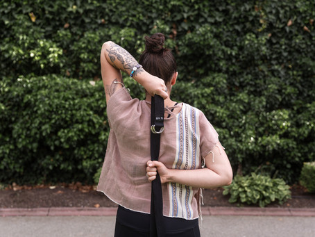 6 Benefits of Using a Yoga Strap