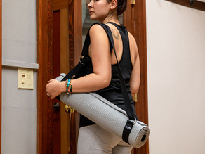 Turn Your Yoga Strap Into A Yoga Mat Carrier