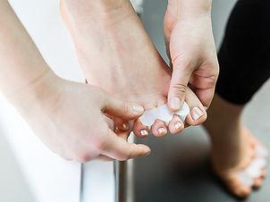 correct-toes-toe-spacers_The-Holistic--Ape.jpg