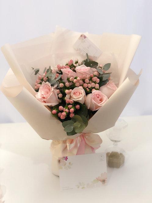 Pink Romantic-9 Premium Roses