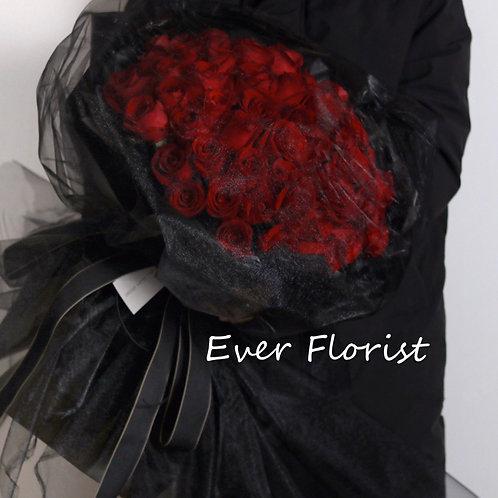 Fairy Dress (66 Premium Roses)
