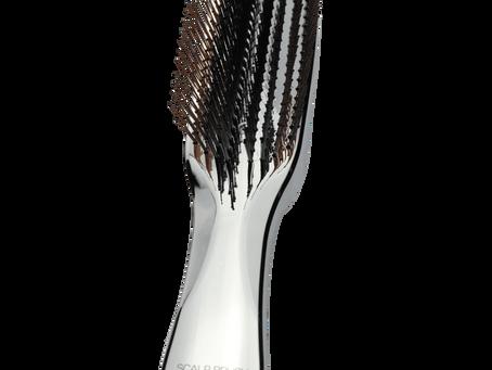 La brosse Tokyo Scalp Brush +