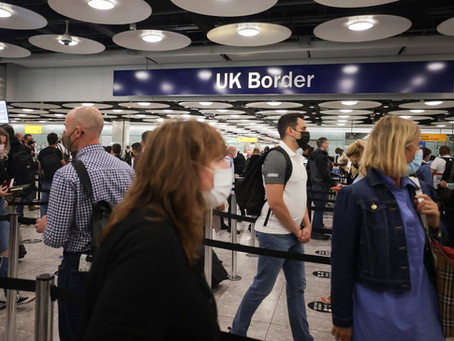 Travelers' Frustration Mounts at 'Confusing' British Traffic-Light System