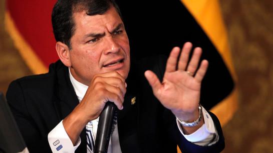 Rafael Correa es condenado simbólicamente a cumplir 30 años de prisión