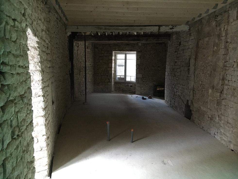 REVERS Atelier d'architecture I Rénovation et restructuration d'une maison de ville / 2 caves, 1 boutique, 2 logements I Vezelay I photos REVERS 10