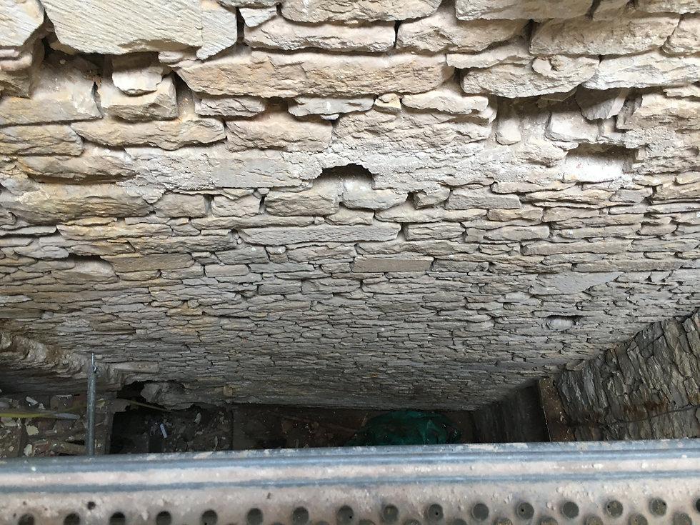 REVERS Atelier d'architecture I Rénovation et restructuration d'une maison de ville / 2 caves, 1 boutique, 2 logements I Vezelay I photos REVERS 14