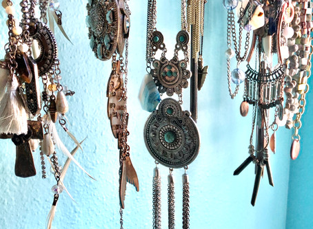 Jewelry Basics to Define Your Look