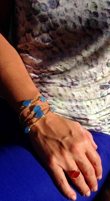 sautoir DELIZ porté en bracelet