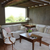 La Blanchetière-Gîte de charme en Normandie-Salon avec vue sur le jardin