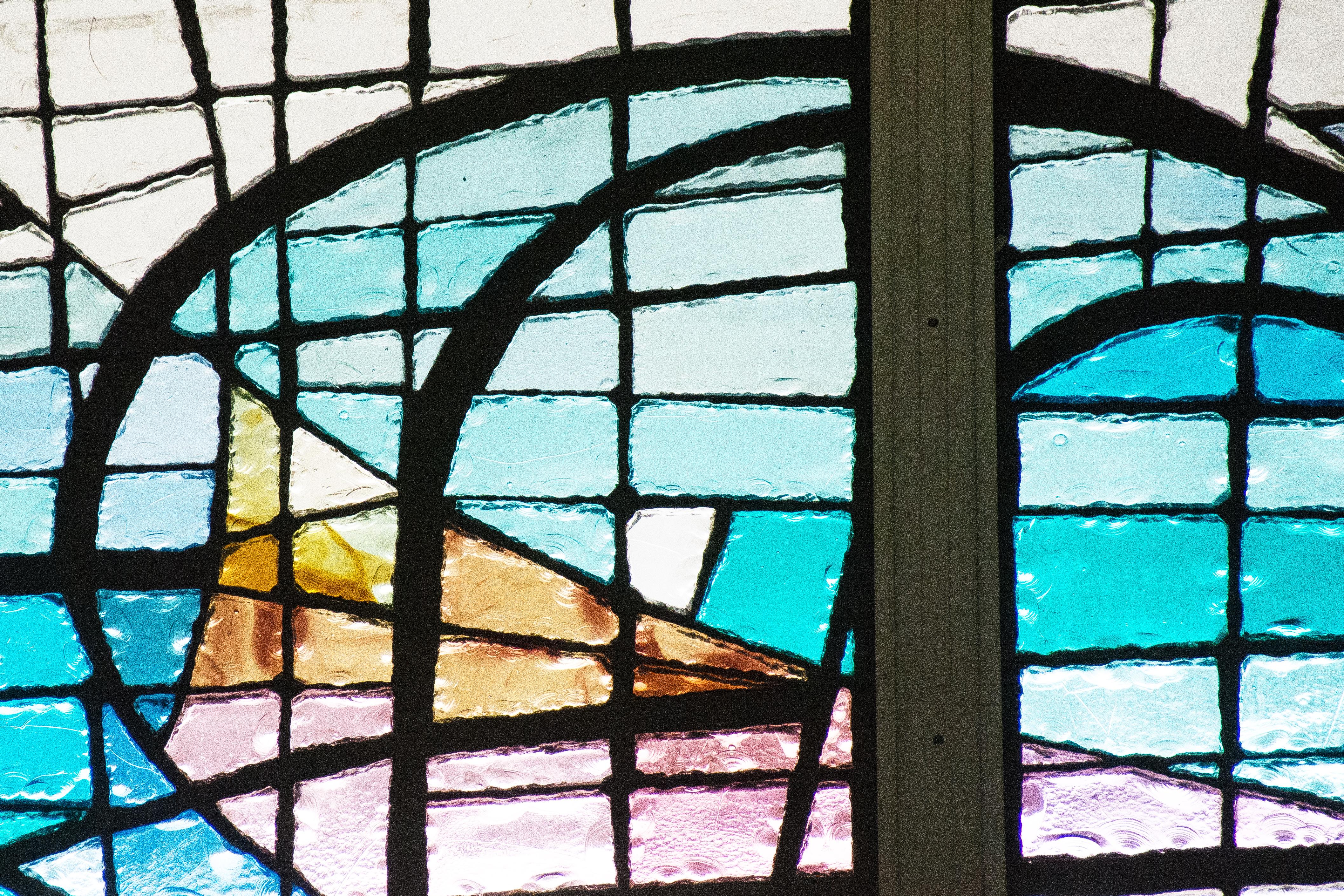 upclosestainedglass0080