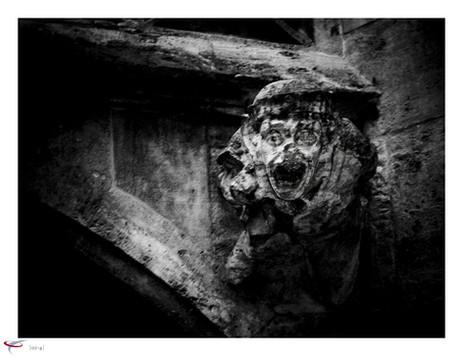 steinfigur im innenhof rathaus muc.jpg