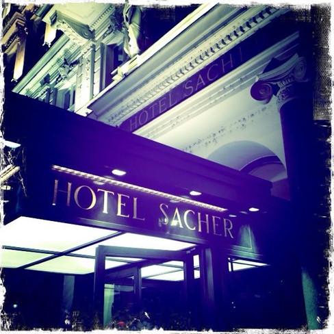 wien 41 - hotel sacher.JPG