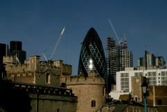 london #81 - swiss re.jpg