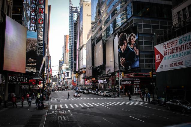 nyc049 - times square.jpg