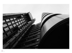 london #60 - lloyds building.jpg