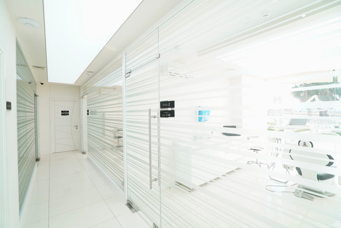 dentist-kusadasi-dental-clinic.jpeg