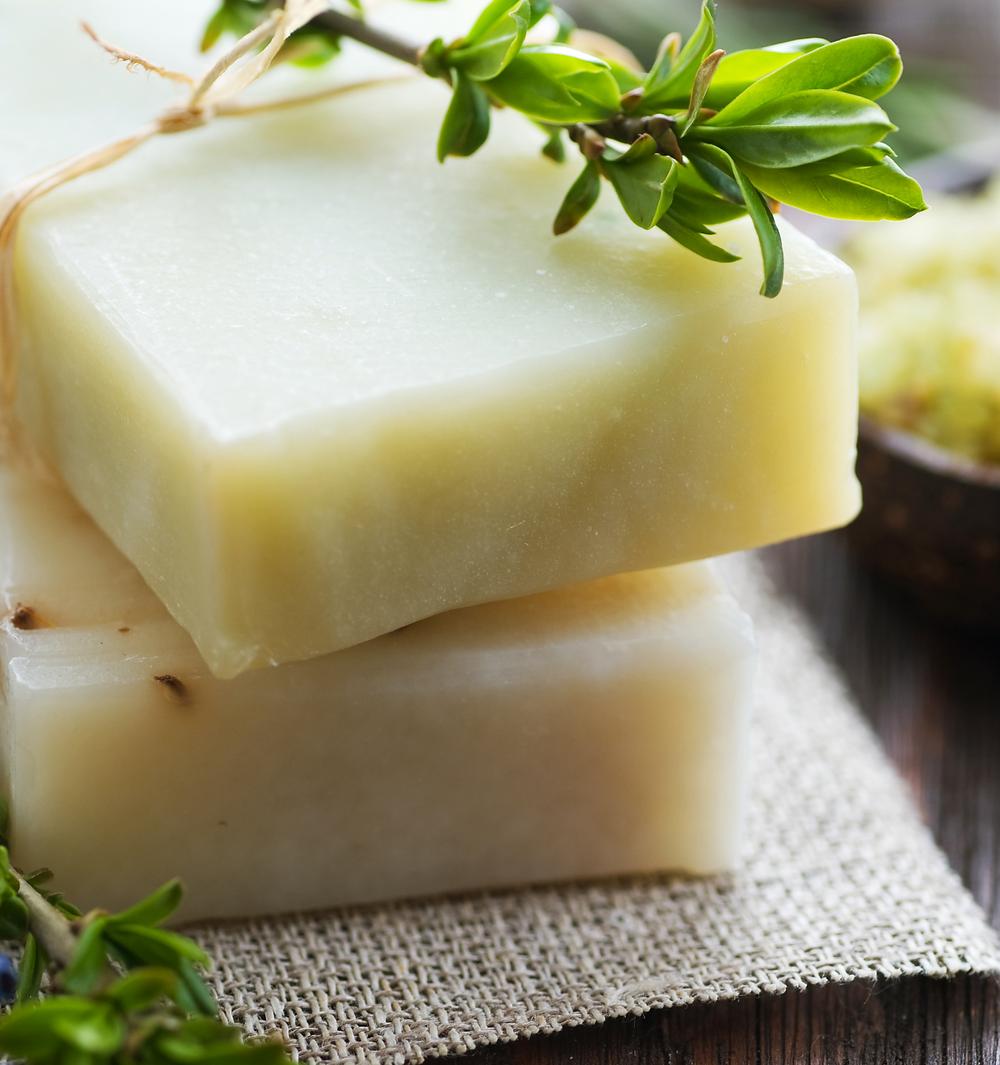 Make shampoo bars using all natural ingredients