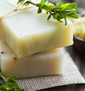 Make shampoo bars using all natural ingredients
