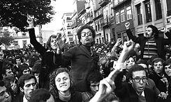 portugal-comemora-45-anos-do-25-de-abril