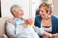 cuidado-de-ancianos-a-domicilio.jpg