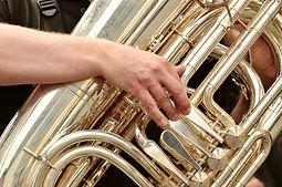 tuba-3246641_1920.jpg