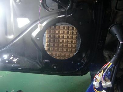 エターナルオート ドアセッティング スピーカー取り付け 拡散材