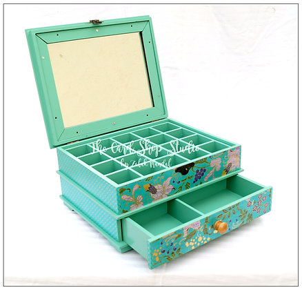 Golden Turquoise Jewelry Organiser