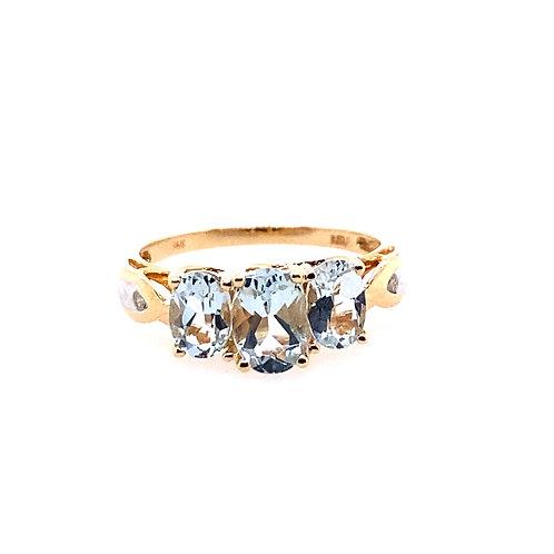 Estate 14kt Yellow Gold 3 Aquamarine Stone Ring